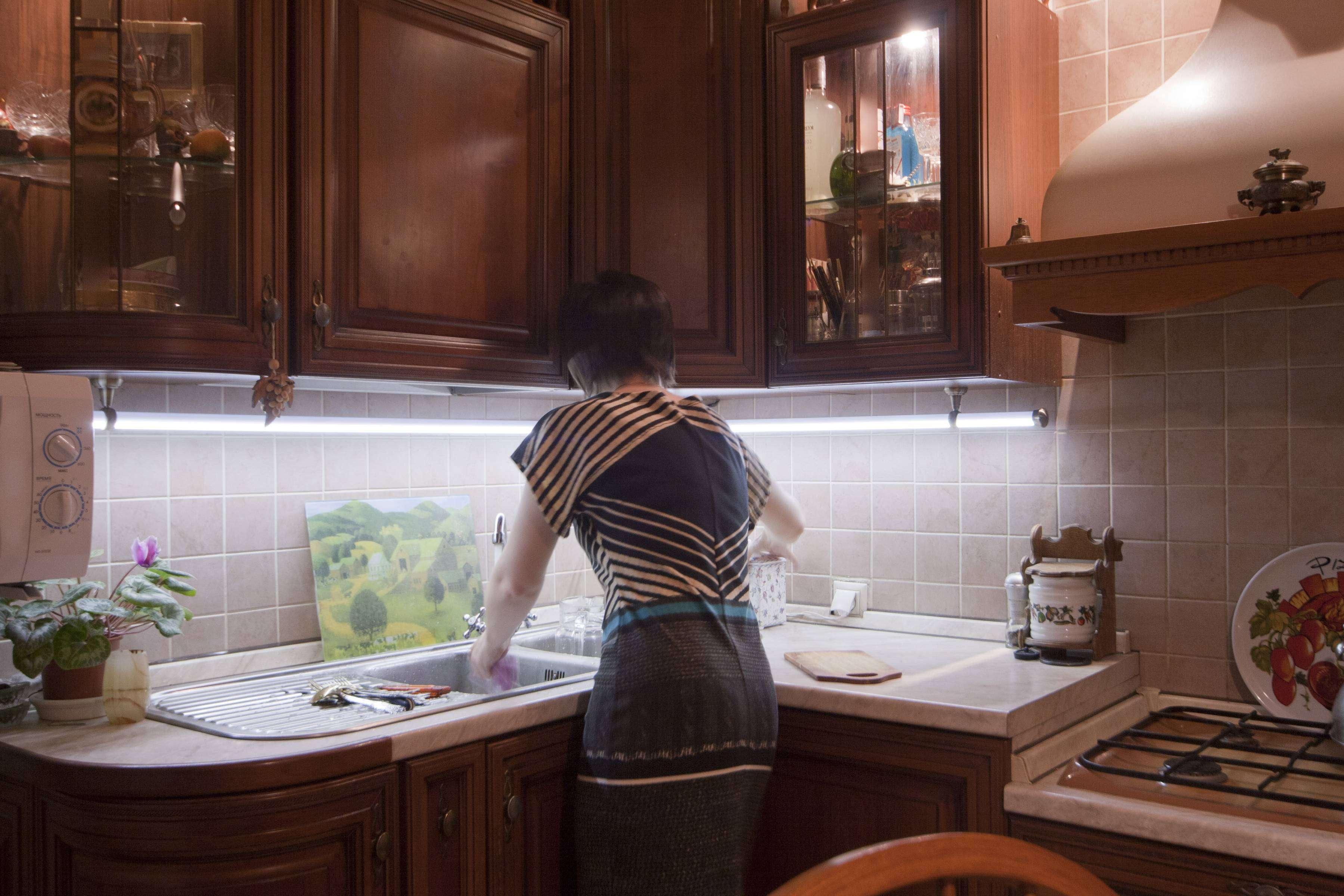 Как осветить зону для приготовления пищи на своей кухне?