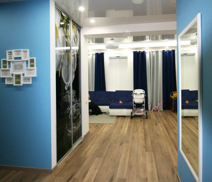 Шкафы-купе на заказ в Киеве: выбираем наполнение дверей